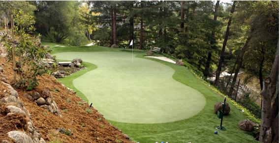 các mẫu sân golf cỏ nhân tạo