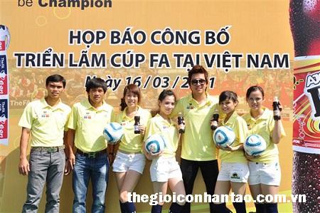 Những chiêu thức kiếm tiền ngoài sân cỏ của cầu thủ Việt 2