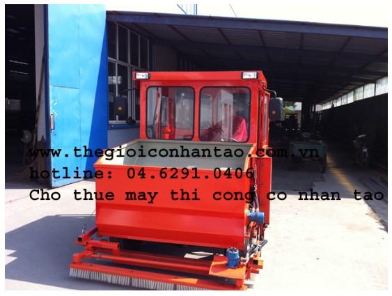 Máy thi công cỏ nhân tạo nhập khẩu 4
