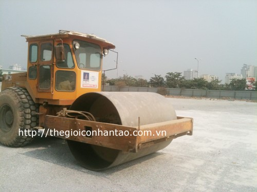 4 sân bóng đá cỏ nhân tạo đường Nguyễn Phong Sắc 1