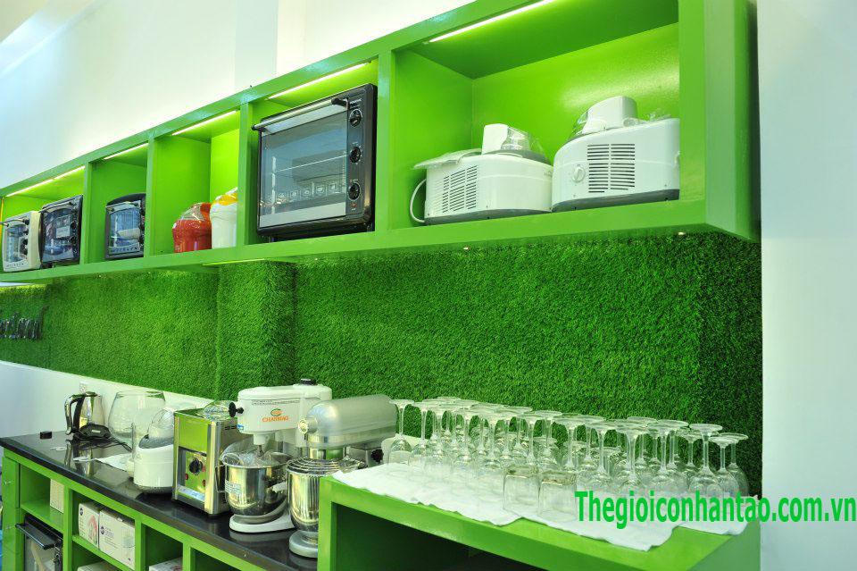 Bakerland dùng thảm cỏ nhân tạo trang trí nội thất 3