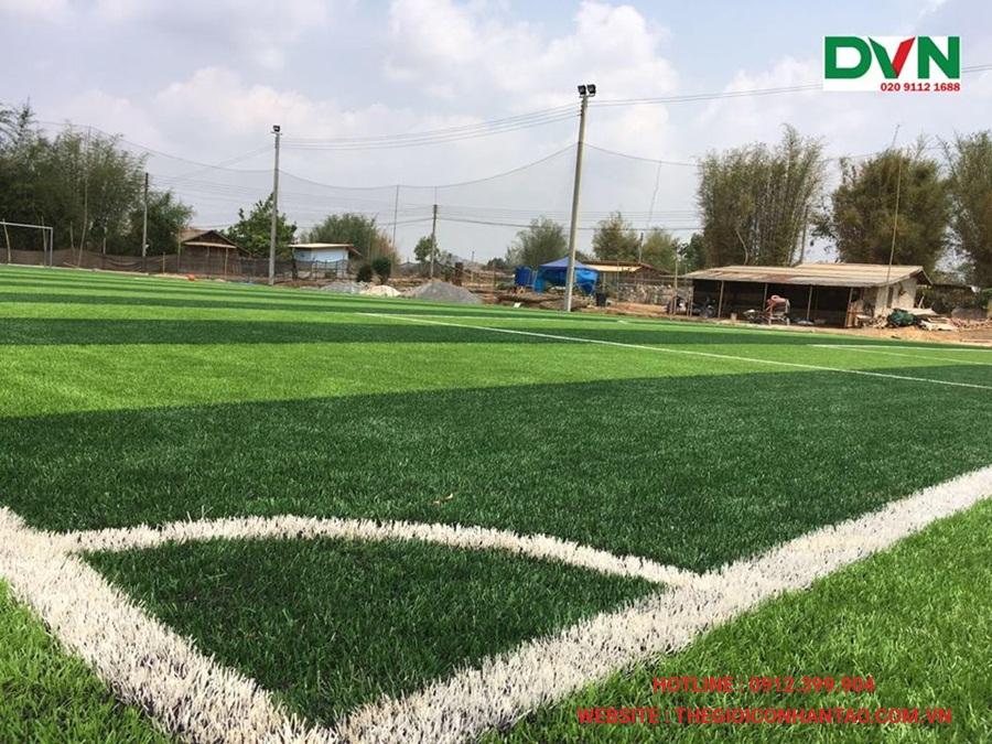 Một số hình ảnh của sân bóng đá cỏ nhân tạoXiengkhuang, Lào 3