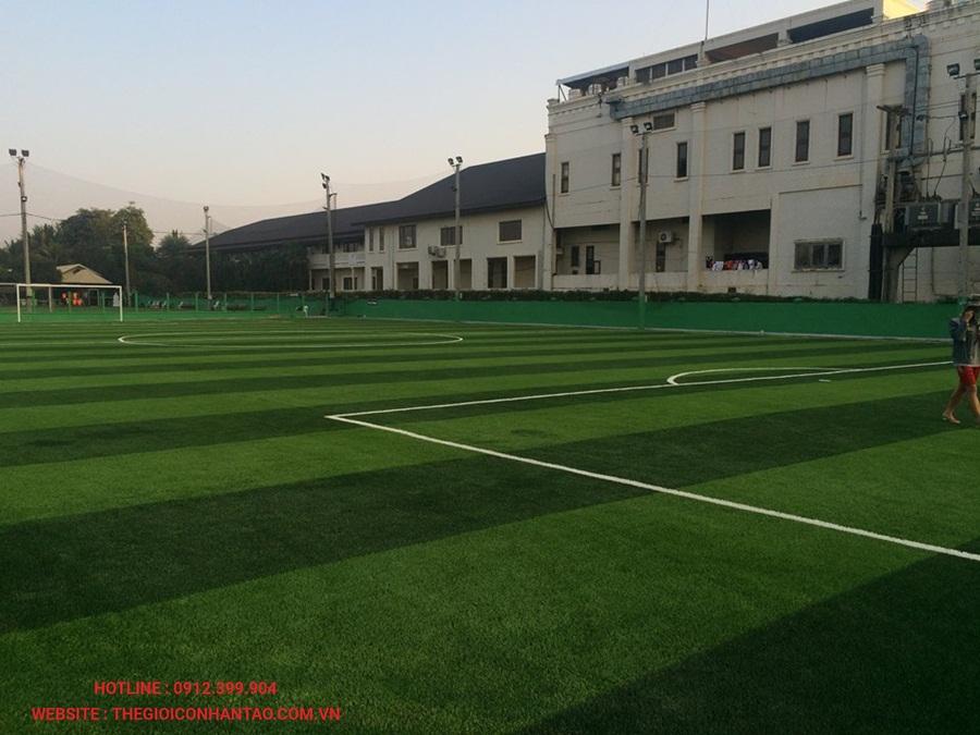 Sân bóng đá cỏ nhân tạo tại Công ty Srithai, Lào 3