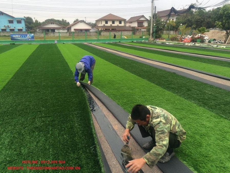 Sân bóng đá cỏ nhân tạo tại Công ty Srithai, Lào 6