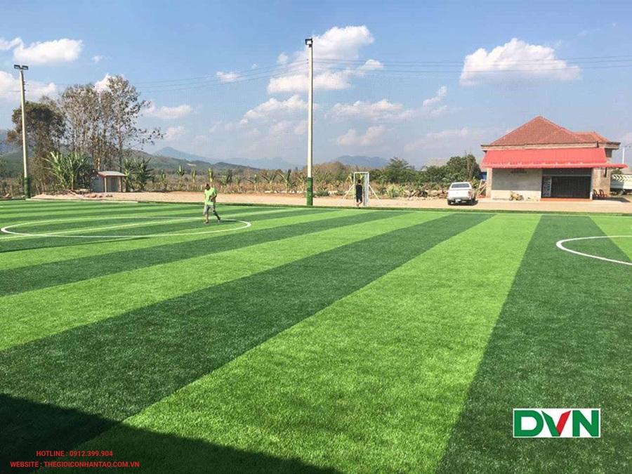 Một số hình ảnh của sân bóng đá cỏ nhân tạo Oudomxay, Lào: 1