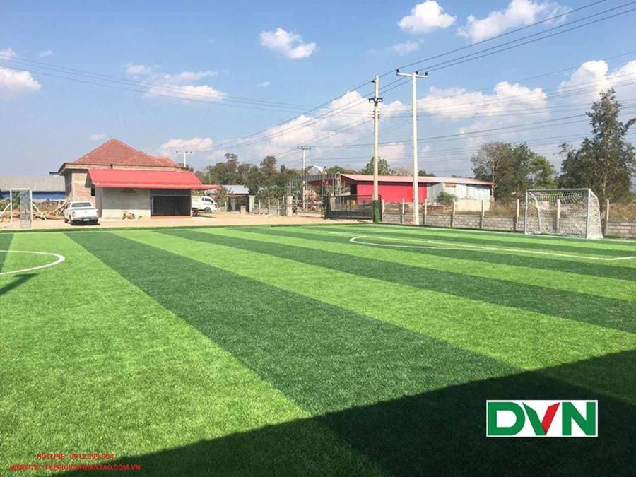 Một số hình ảnh của sân bóng đá cỏ nhân tạo Oudomxay, Lào: 2