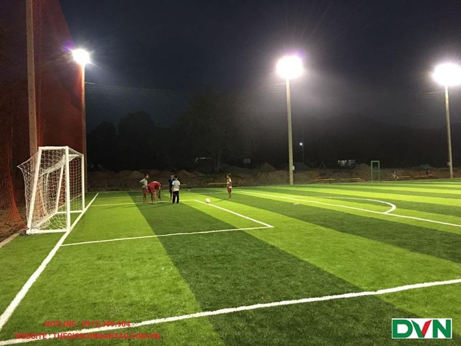 Một số hình ảnh của sân bóng đá cỏ nhân tạo tại Xayaboury, Lào 2