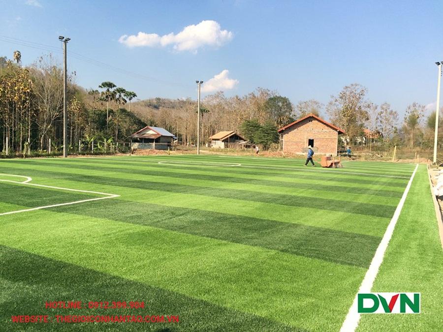 Một số hình ảnh của sân bóng đá cỏ nhân tạo Xiengnearn Luang Prabang, Lào 3