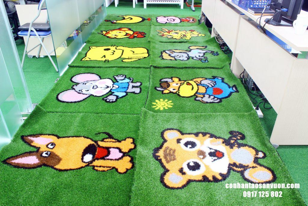 Hình ảnh Thảm cỏ hình 12 con giáp 9