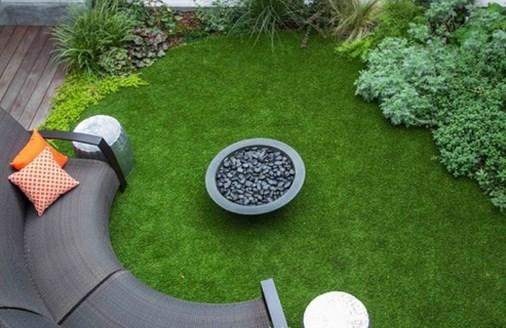 Sử dụng cỏ nhân tạo sân vườn làm thảm trải sàn 1
