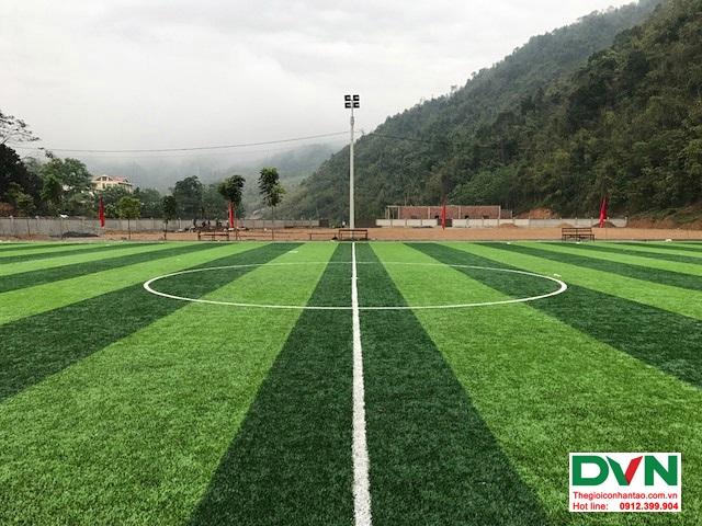 Thi công sân bóng đá cỏ nhân tạo tại Quan Sơn – Thanh Hóa 4