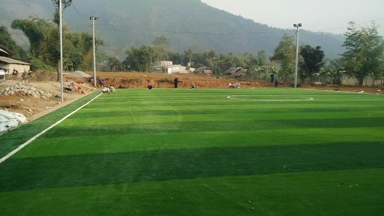 Thi công sân bóng đá cỏ nhân tạo tại Văn Bàn – Lào Cai 2