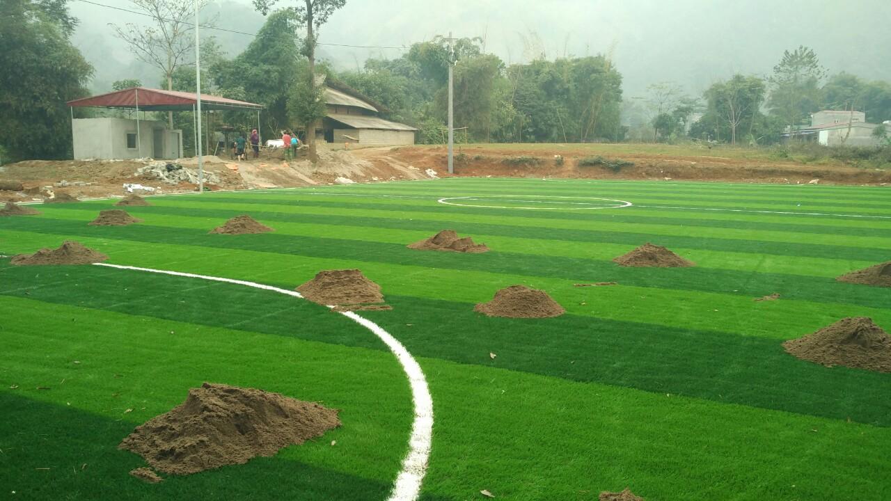 Thi công sân bóng đá cỏ nhân tạo tại Văn Bàn – Lào Cai 3