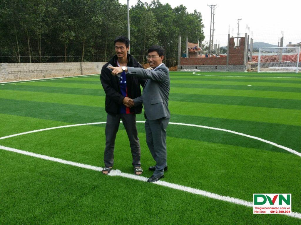 Thi công sân bóng đá cỏ nhân tạo Vĩnh Lộc - Thanh Hóa 14
