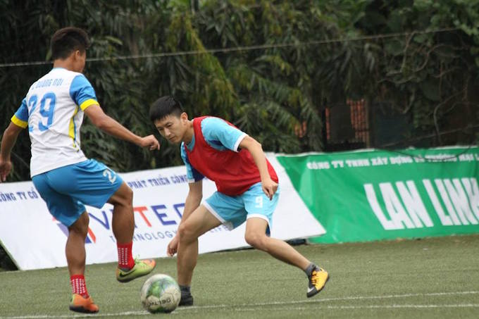 """Cường """"trắng"""" ghi bàn, Ecofoot vô địch Cúp C1 Hà Nội 1"""