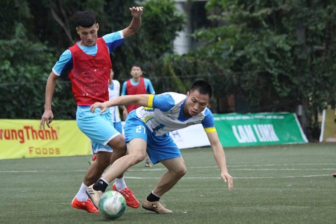 """Cường """"trắng"""" ghi bàn, Ecofoot vô địch Cúp C1 Hà Nội 3"""