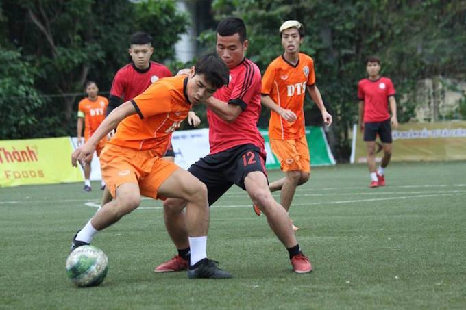 """Cường """"trắng"""" ghi bàn, Ecofoot vô địch Cúp C1 Hà Nội 4"""