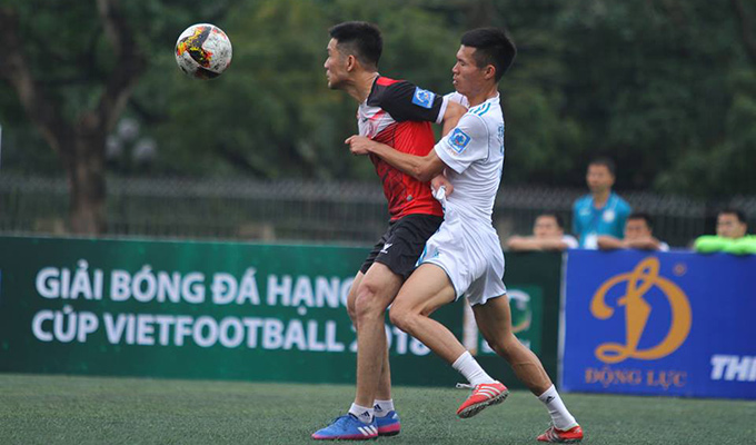 Giải hạng Nhì Vietfootball: Cường 'kun' đón sinh nhật đáng nhớ với Mobifone 2