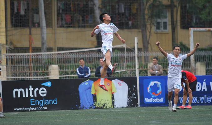 Giải hạng Nhì Vietfootball: Cường 'kun' đón sinh nhật đáng nhớ với Mobifone 3