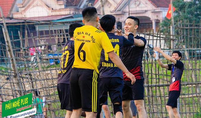 Giải khối doanh nghiệp Đô Lương: Bia Thanh Sơn, FC Mens mất điểm đáng tiếc 1