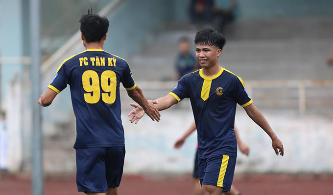 Chủ tịch FC Tân Kỳ nói gì về sự cố bỏ cuộc ở vòng 2 giải hạng Nhì? 3