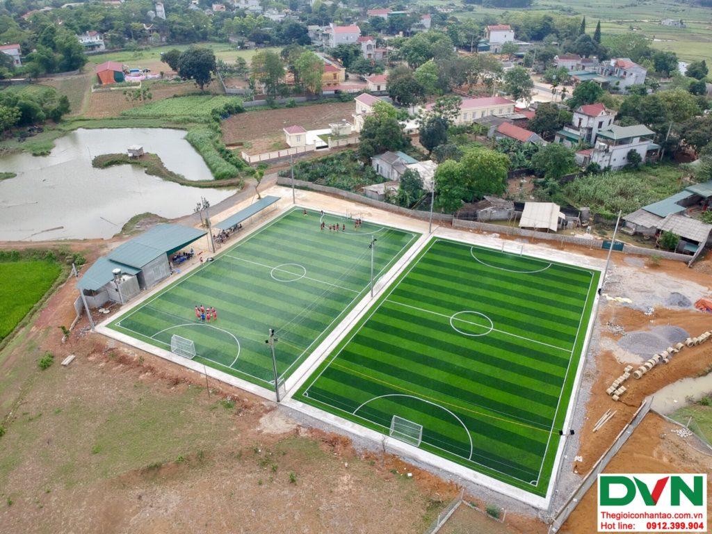Một số hình ảnh của dự ánsân bóng cỏ nhân tạo tại Phố Sấu, Lạc Thịnh, Hòa Bình 1