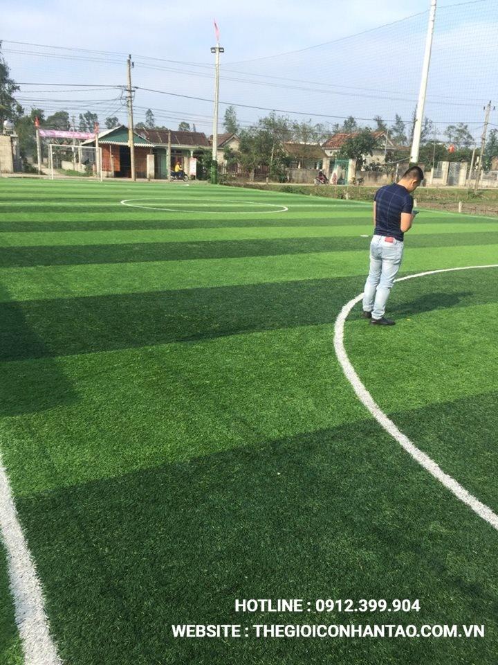 Một số hình ảnh của dự ánsân bóng cỏ nhân tạo Sân bóng Hoàng Thịnh tại Lệ Thủy, Quảng Bình 2