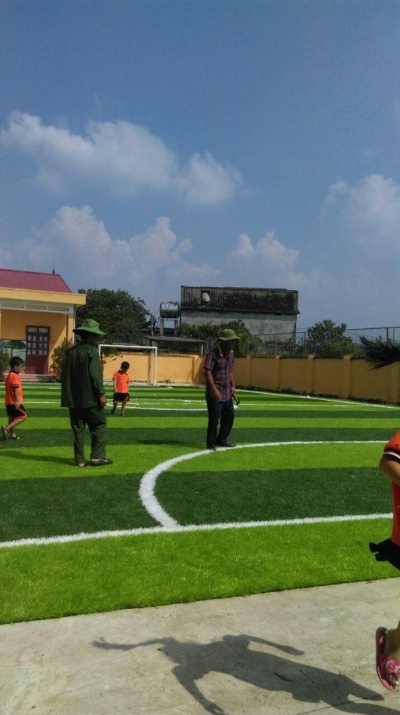 Một số hình ảnh của dự án sân bóng cỏ nhân tạo tại Trường tiểu học Phượng Sơn 2, Lục Ngạn, Bắc Giang 4