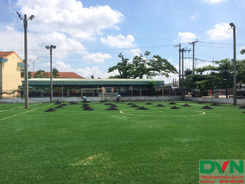 Một số hình ảnh của dự án sân cỏ nhân tạo tại Long An 1