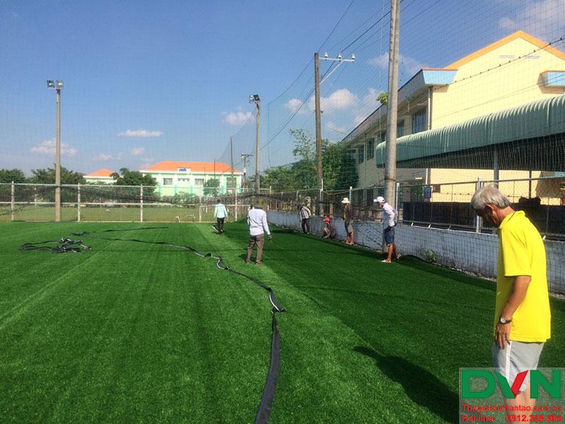 Một số hình ảnh của dự án sân cỏ nhân tạo tại Long An 9