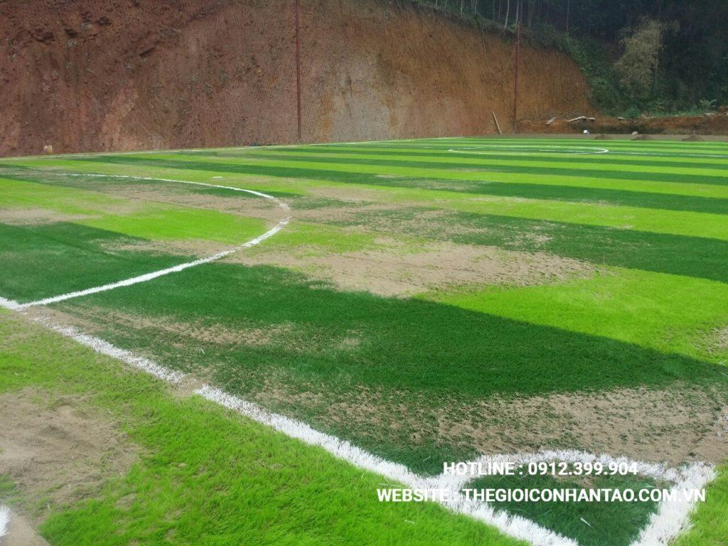 Hãy cùng xem qua những hình ảnh trên sân bóng đá tạiTà Phờ, Lào Cai 1