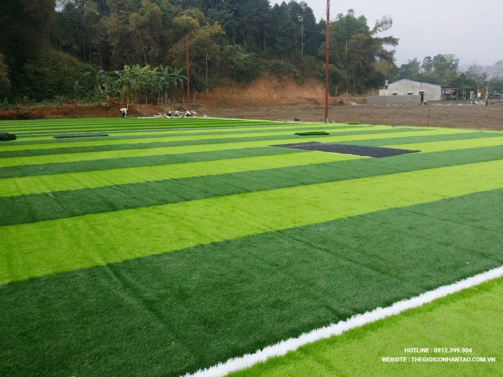 Hãy cùng xem qua những hình ảnh trên sân bóng đá tạiTà Phờ, Lào Cai 2