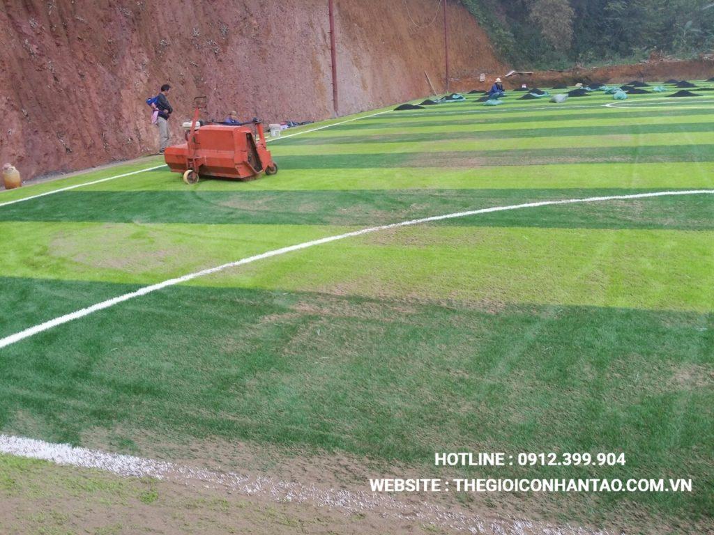 Hãy cùng xem qua những hình ảnh trên sân bóng đá tạiTà Phờ, Lào Cai 4