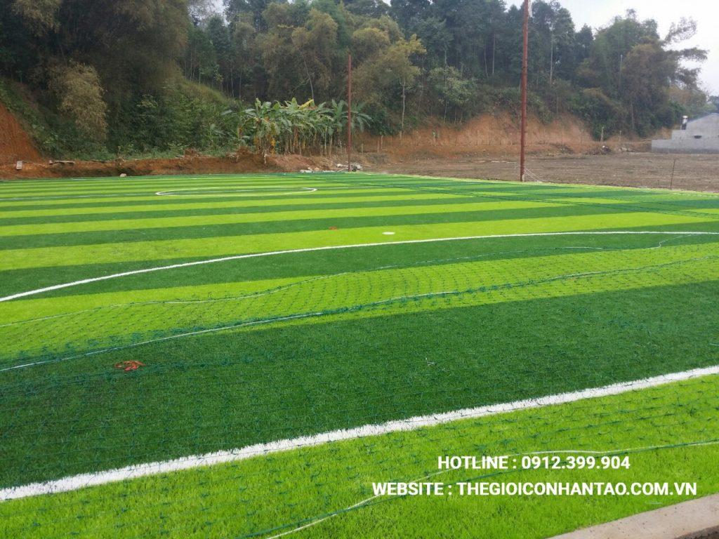 Hãy cùng xem qua những hình ảnh trên sân bóng đá tạiTà Phờ, Lào Cai 5