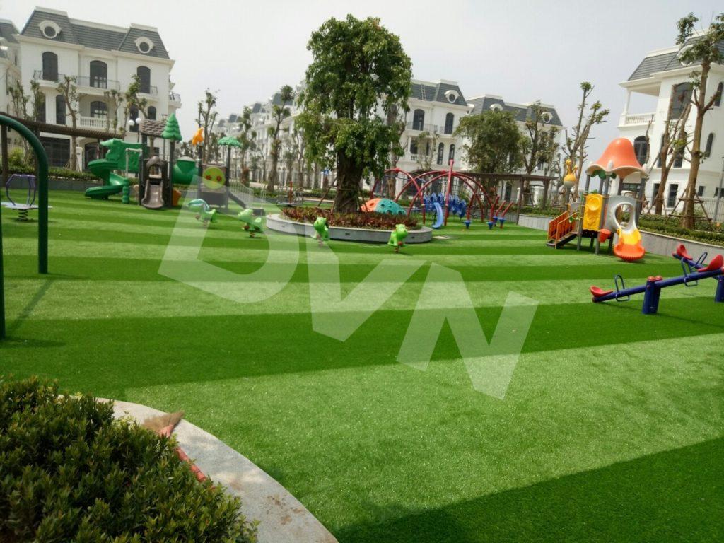 Những ưu điểm của cỏ nhân tạo khiến nó được lựa chọn làm sân chơi 1