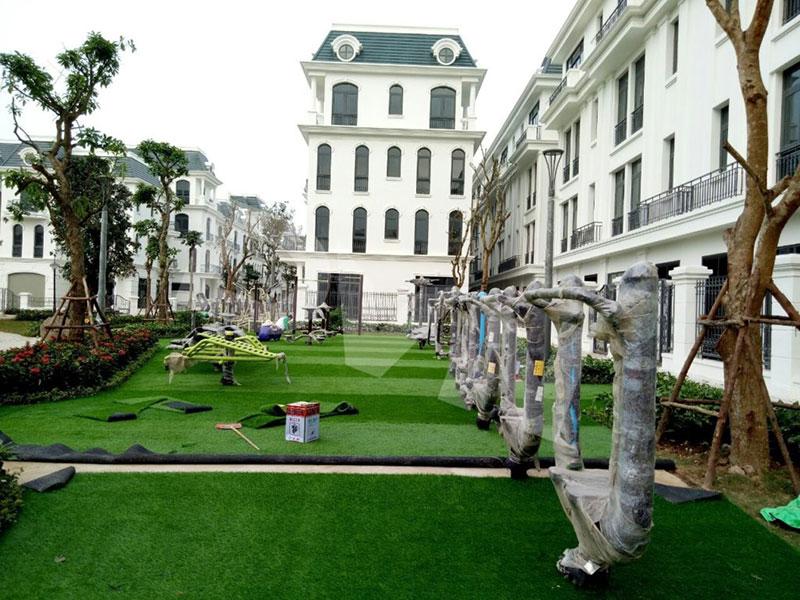 Hình ảnh thi công dự án sân cỏ nhân tạo