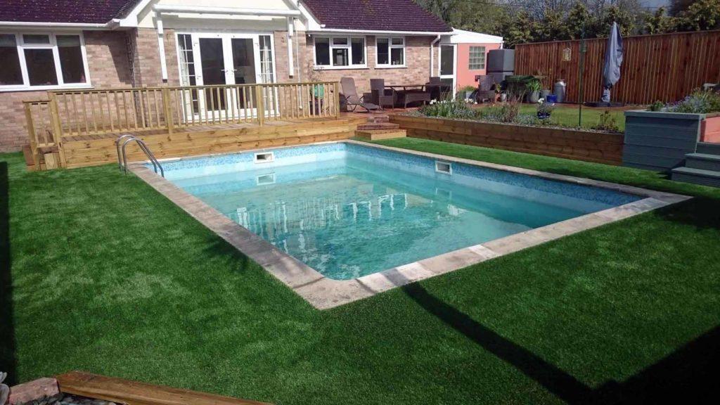 2, Loại cỏ nào được ưa chuộng quanh bề bơi 6