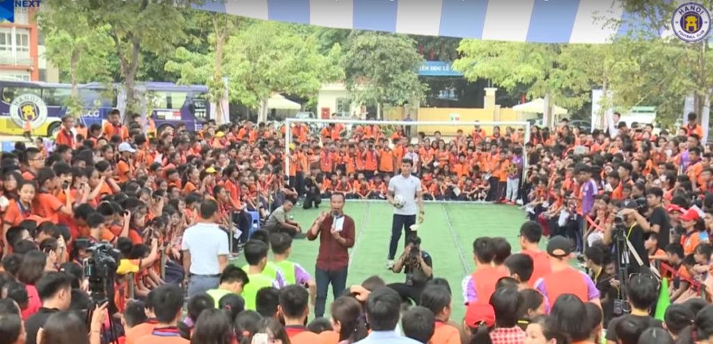 """Trường THCS Việt Nam – AnGiêRi đã đồng hành cùng chương trình """"Strong VietNam"""" 3"""