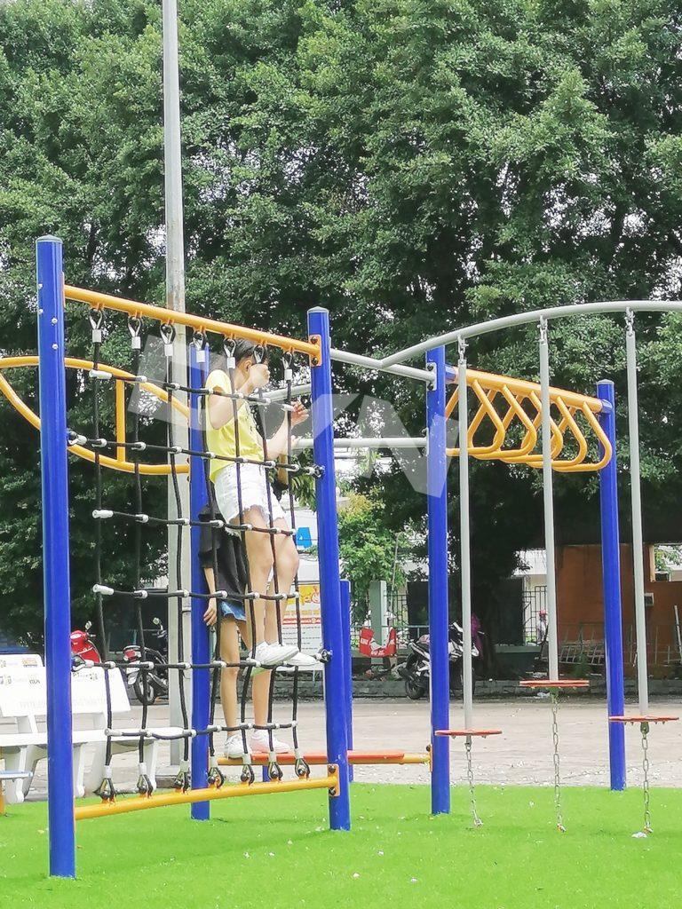 Sân chơi cỏ nhân tạo tại Nhà thiếu nhi tỉnh Bình Dương