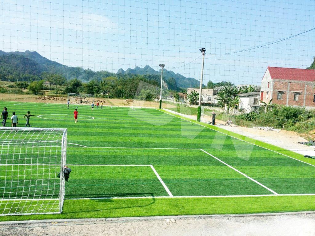 2,Nhữngđiều CẦN TRÁNH khi đầu tư sân bóng đá cỏ nhân tạo: 2