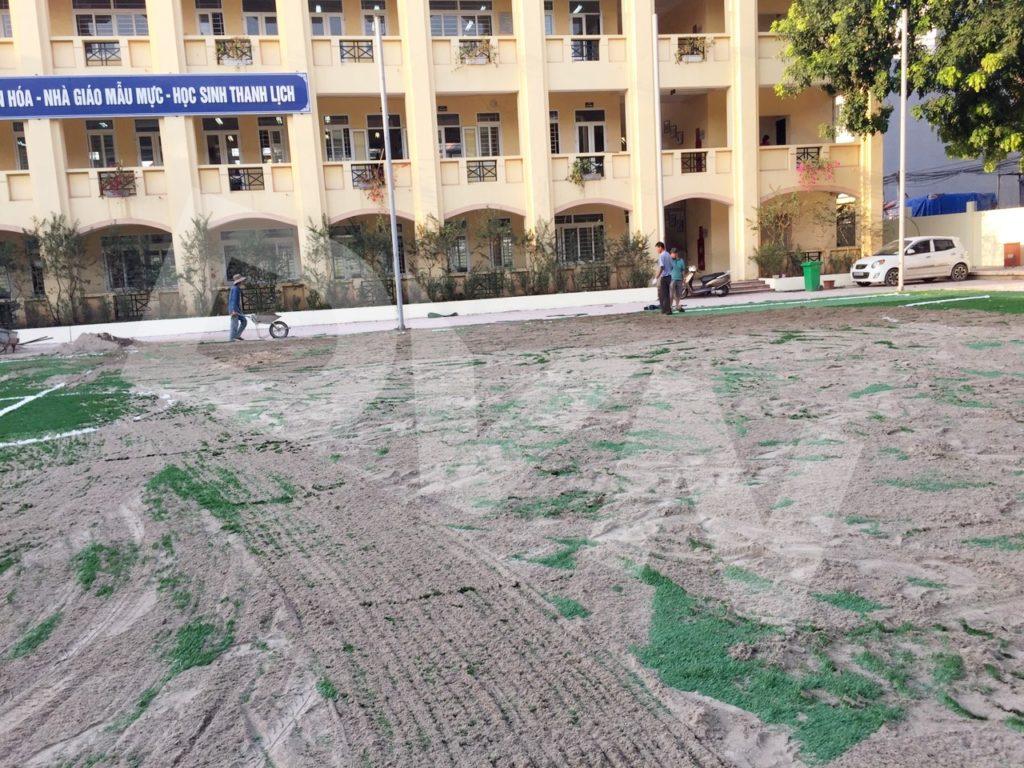 1, Một số hình ảnh sân bóng Trường tiểu học Tiền Phong 6