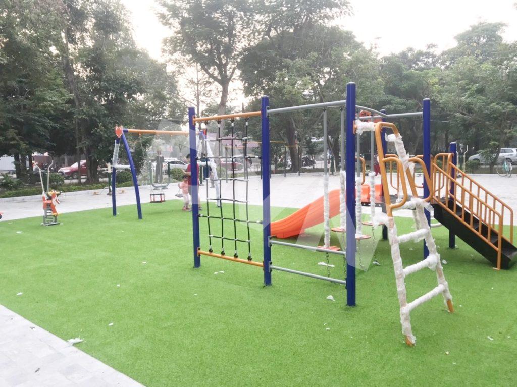 1, Một số hình ảnh sân chơi cỏ nhân tạo tại Công viên Cây Xanh, Thanh Hóa 1