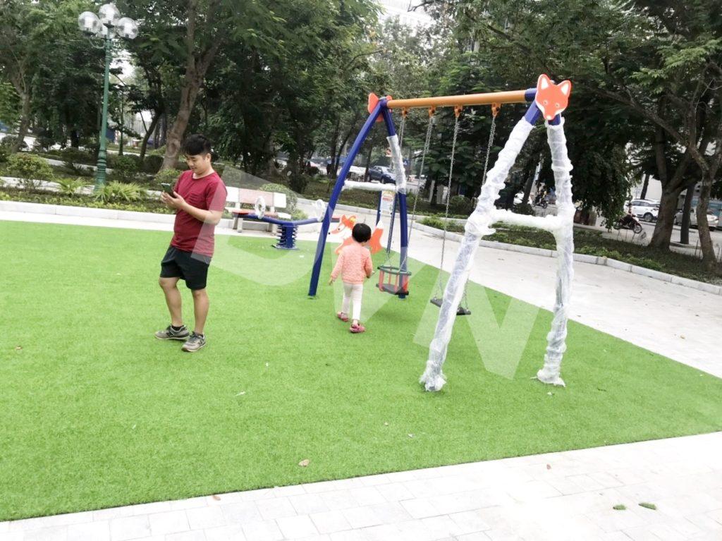 1, Một số hình ảnh sân chơi cỏ nhân tạo tại Công viên Cây Xanh, Thanh Hóa 3
