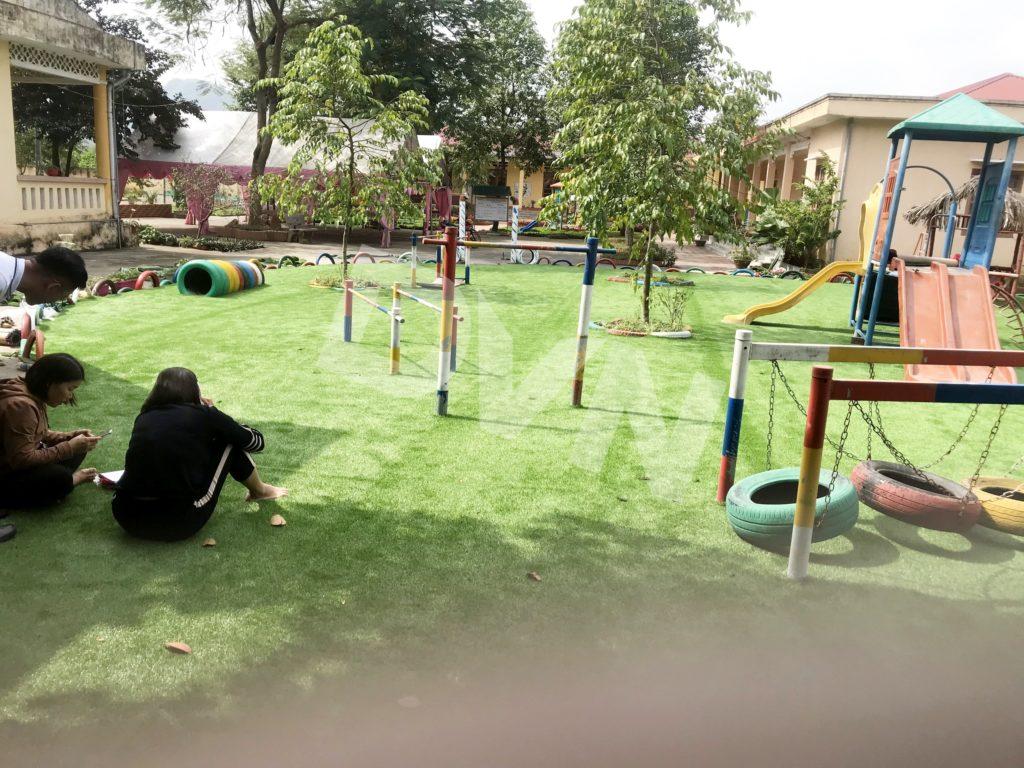 1, Một số hình ảnh sân chơi cỏ nhân tạo Trường mầm non Cẩm Tú 4