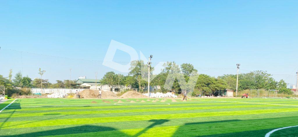 1, Một số hình ảnh sân bóng Trường ĐH Đại Nam 9