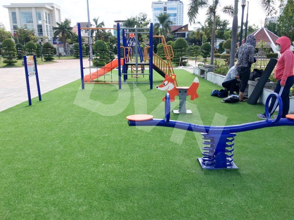 1, Một số hình ảnh sân chơi cỏ nhân tạo tạiCông viên Xuân Hồng 3
