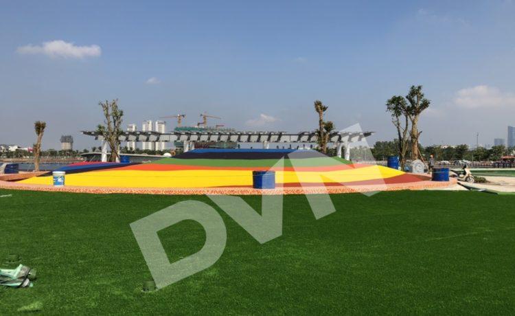Dự án cỏ nhân tạo tại công viên Thiên Văn học