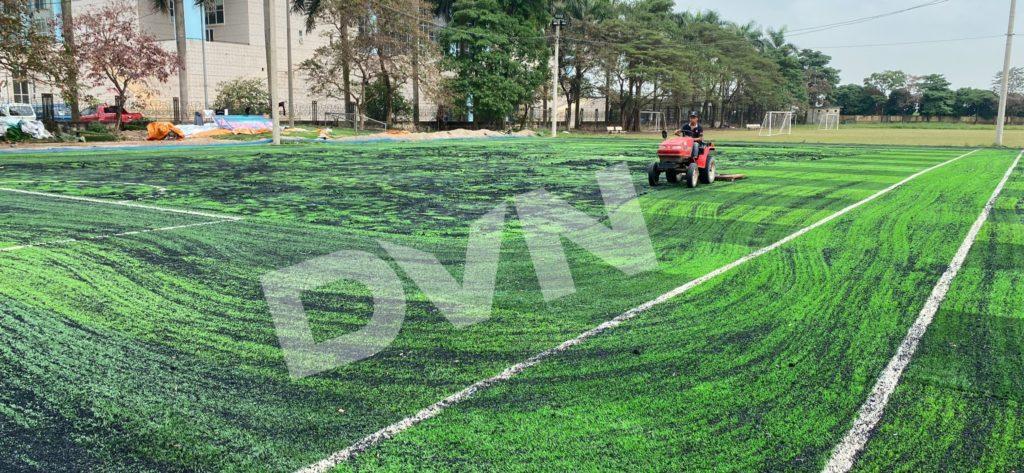 1,Một số hình ảnh thi công sân bóng cỏ nhân tạoNhà thi đấu Gia Lâm 8