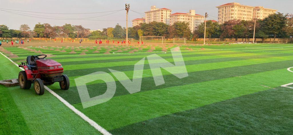 1,Một số hình ảnh thi công sân bóng cỏ nhân tạoNhà thi đấu Gia Lâm 5