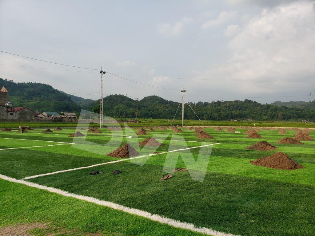 1,Một số hình ảnh thi công sân bóng cỏ nhân tạo Tràng Định, Lạng Sơn 4